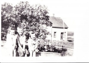 Eldon George with sisters Mary and Jean, 1938.